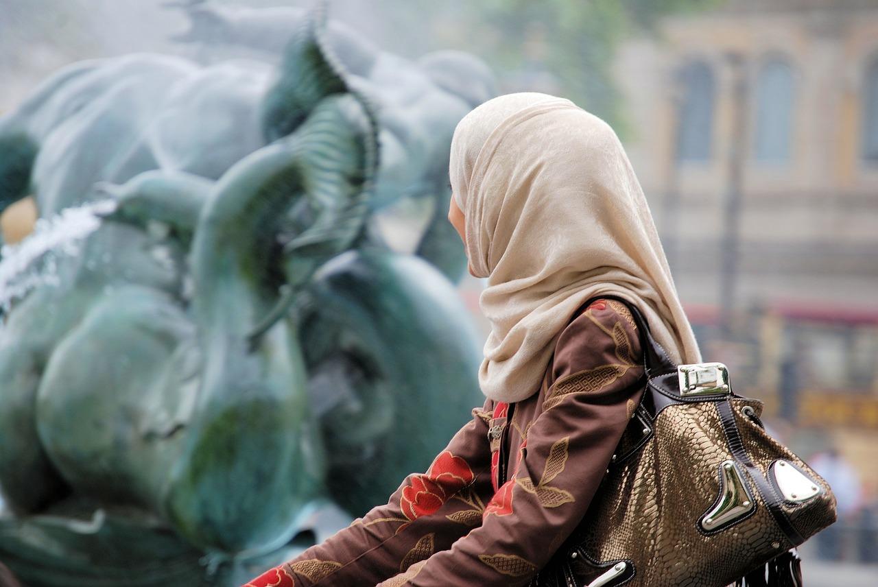 Das islamische Verbot der Zwangsehe - Und wie die Partnersuche bei Muslimen aussieht